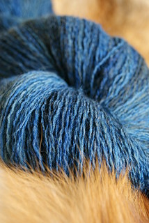 lace_yarn_blue_2