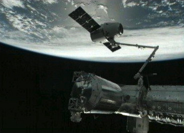 la-fi-mo-spacx-space-station-linkup-20121010-001