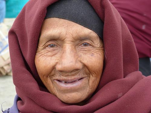 Anciana en Otavalo (Ecuador)