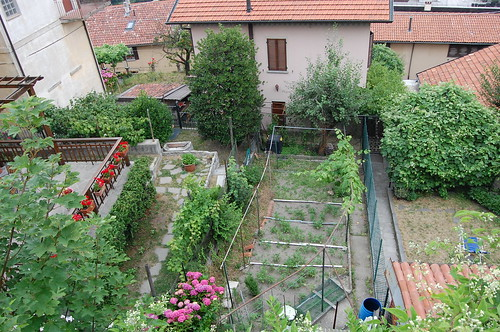 Lake Como Italy home garden