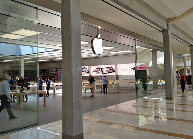 Bellevue Square Apple Store Remodel