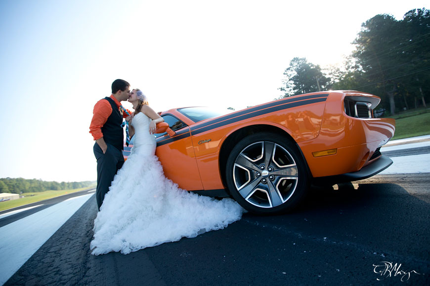 Wedding_Couple_Car_Airstrip_Kiss