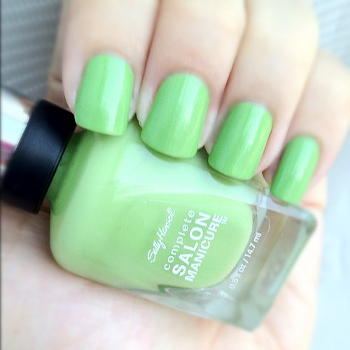 Sally Hansen Complete Salon Manicure in Parrot