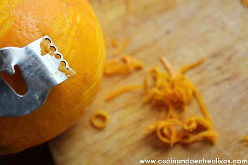 Tostas de solomillo a la sal con queso y naranja confitada (16)