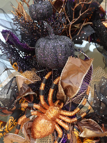 Halloween Rag Wreath Sept 2012 (8)