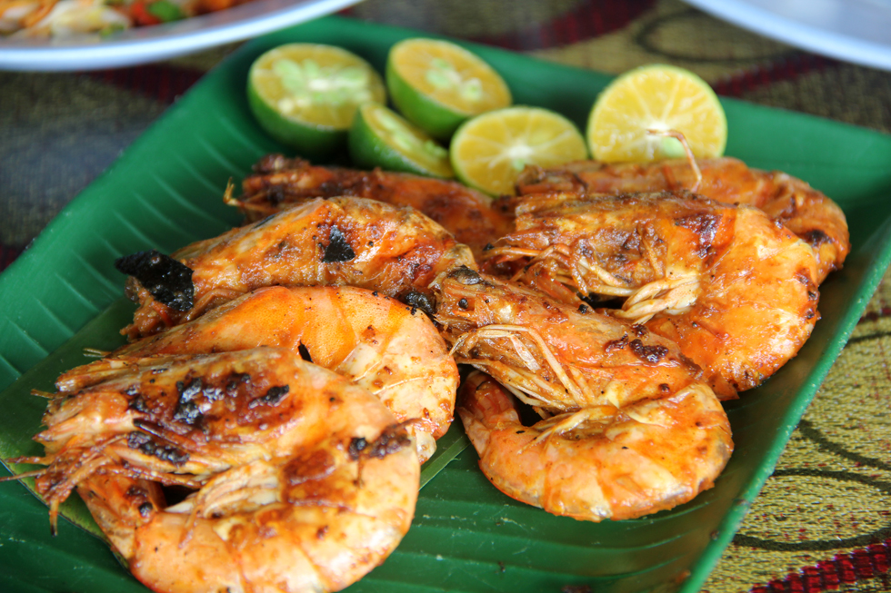 14 malaysian food photos are you ready to drool grilled shrimp in sambal chili sacue forumfinder Gallery