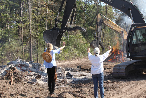 Daryl Hannah and Eleanor Fairchild Defend Her Farm From Keystone XL