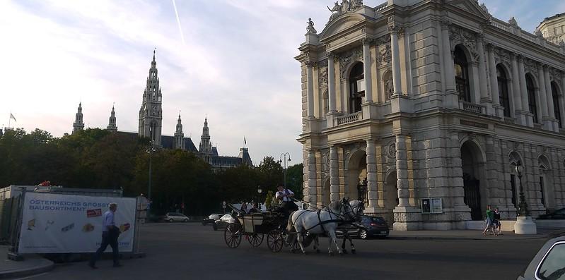 05 维也纳市政厅和城堡剧院(Burgtheater)
