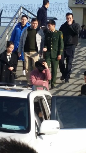 Big Bang - Harbin Airport - 21mar2015 - 蒙古酸奶權志龍 - 08