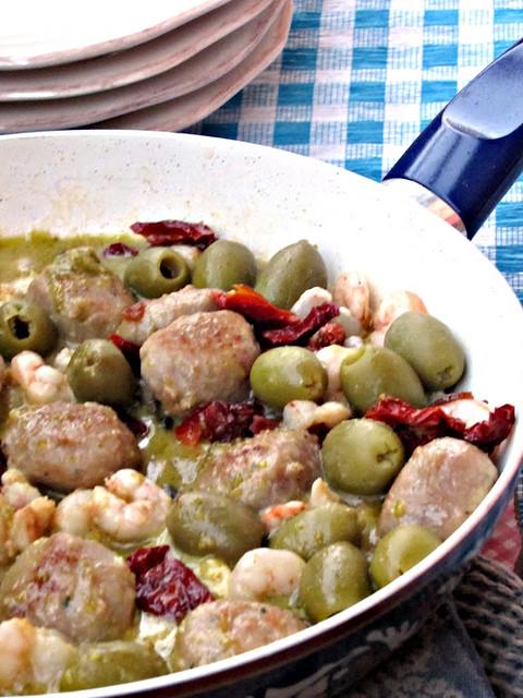 Padellata di Tacchino e Gamberetti alla Mediterranea con Pesto di Pistacchi