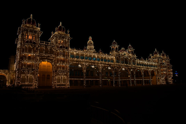 Mysore palace at night1