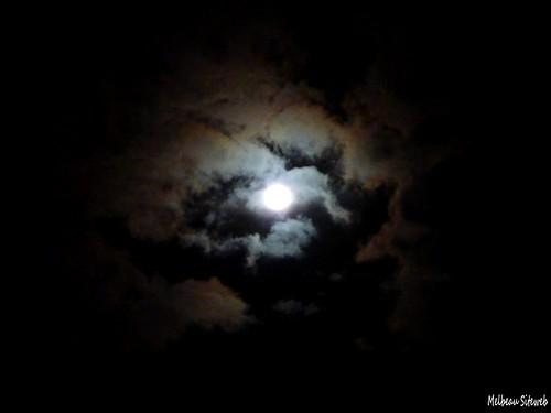 Lune & nuages