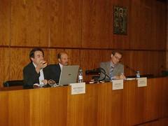 El professor Martí Dominguez va pronunciar una conferència sobre la il·lustració durant la inauguració de l'Escola de Llibreria.