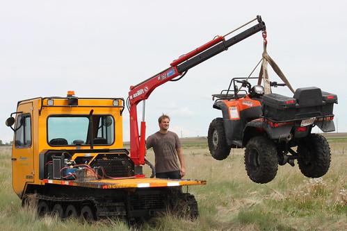 Track Machine lifting honda quad