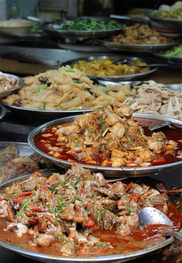 Marvelous Street Side Thai Chinese Food In Yaowarat At Khao Tom 3 1