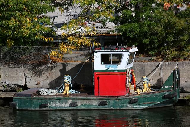Tugboat by Pleasant Street Bridge