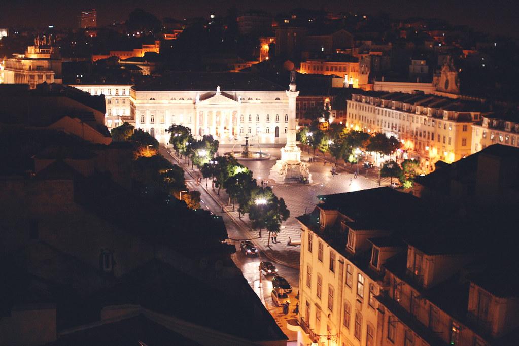 rossio square at night