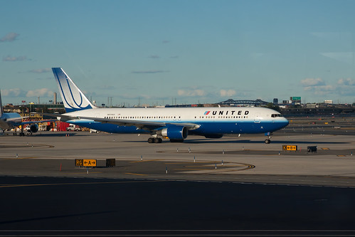 United Airlines Boeing 767-300ER N659UA