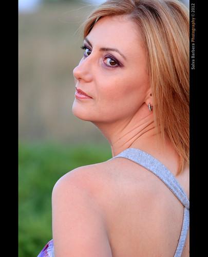 portrait canon retrato headshot bulgaria blond blonde rubia milena goldenhour shumen 550d milenakrasteva