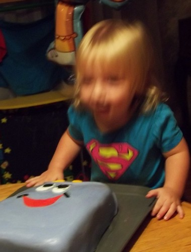 Blurry Bee loves her cake