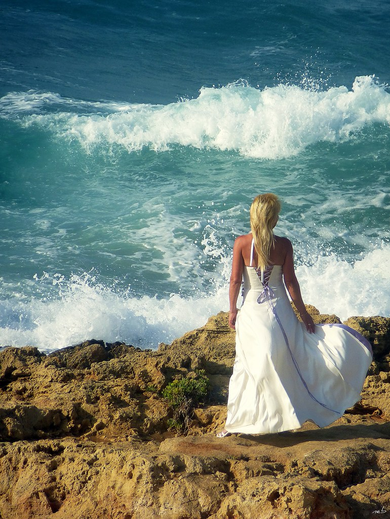 Greece: Lady In White