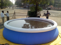 swimming pool(0.0), hot tub(0.0), jacuzzi(0.0), games(0.0), leisure(1.0), inflatable(1.0),