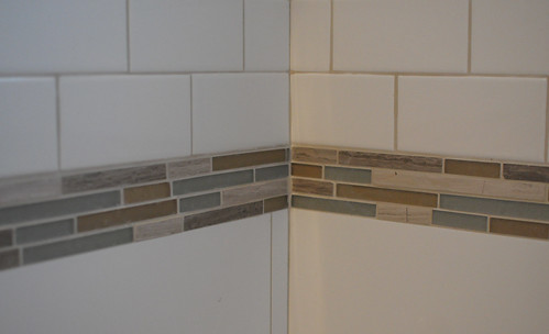 accent tile, bathroom
