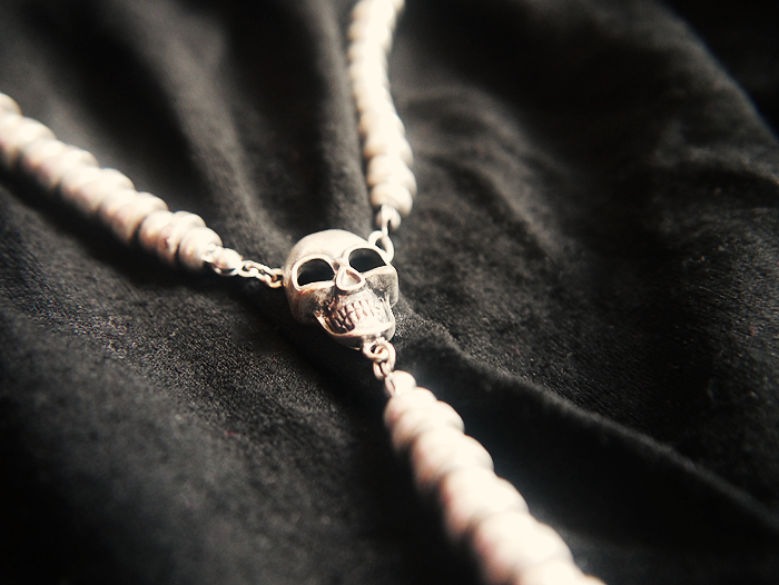 black dress skull necklace 4
