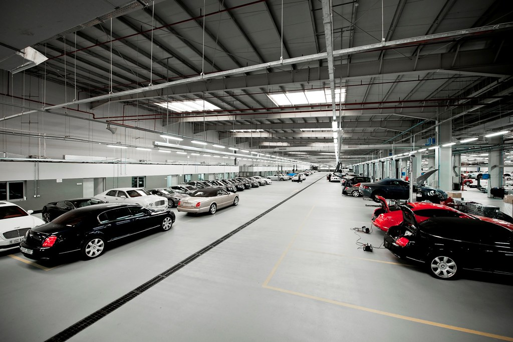 Bentley Workshop Dubai Largest In The World Carbonoctane Com