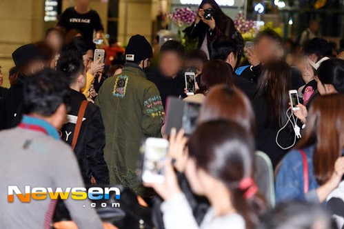GD arriving Seoul from Fuzhou Press Pics 2015-03-29 010