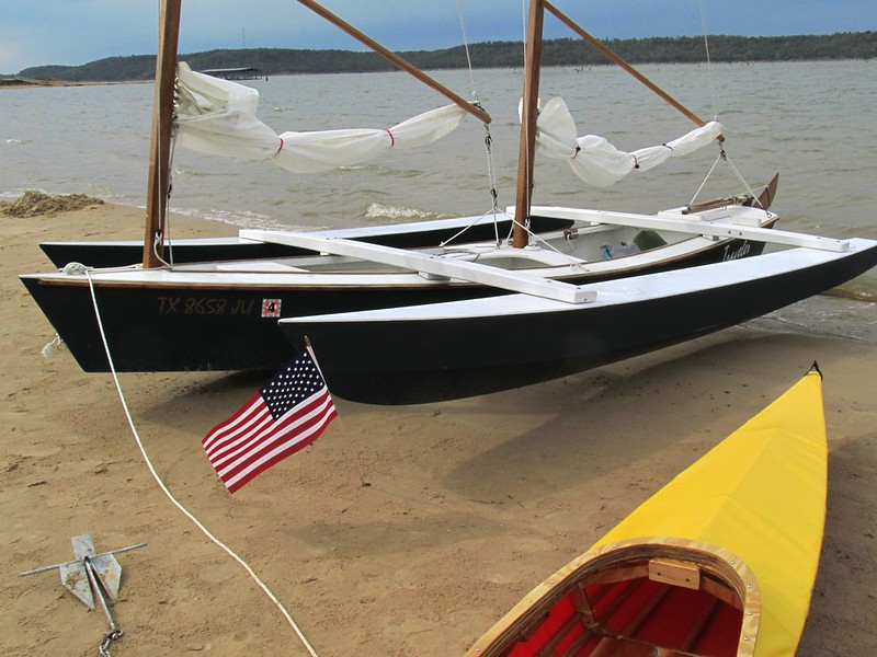 Becy: Get Plywood outrigger canoe plans