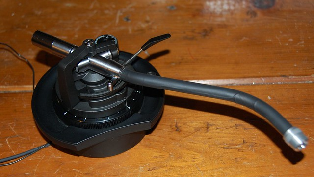 Heat shrink Technics tonearm