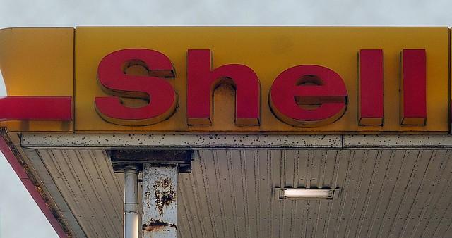 Greenpeace legt 50 tankstations Shell plat
