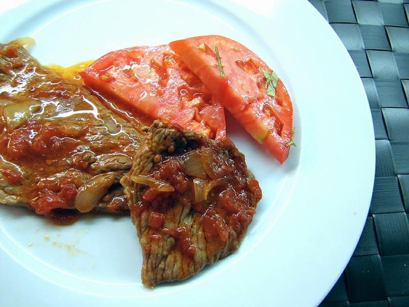 Ternera con salsa de tomate y soja