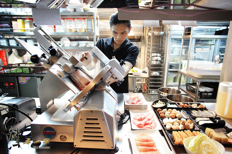 台北捷運忠孝復興站吃到飽餐廳|洛神賦麻辣極品鴛鴦鍋|莫凡彼冰吃到飽
