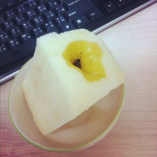 自從變成父親後,蘋果和梨子都變成方形的了。#baby