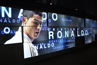 http://hojeconhecemos.blogspot.com.es/2012/11/do-museu-e-estadio-santiago-bernabeu.html