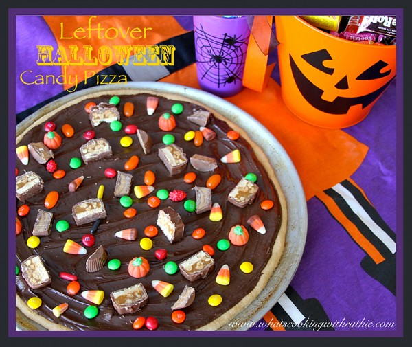 Leftover-Halloween-Candy-Pizza-600x505