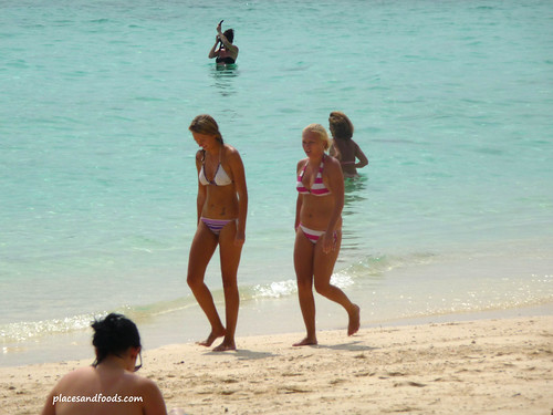 phi phi bamboo island girls