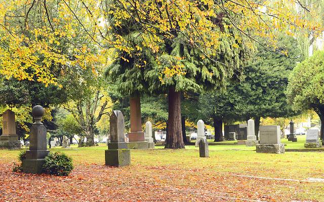 Lone Fir Cemetery