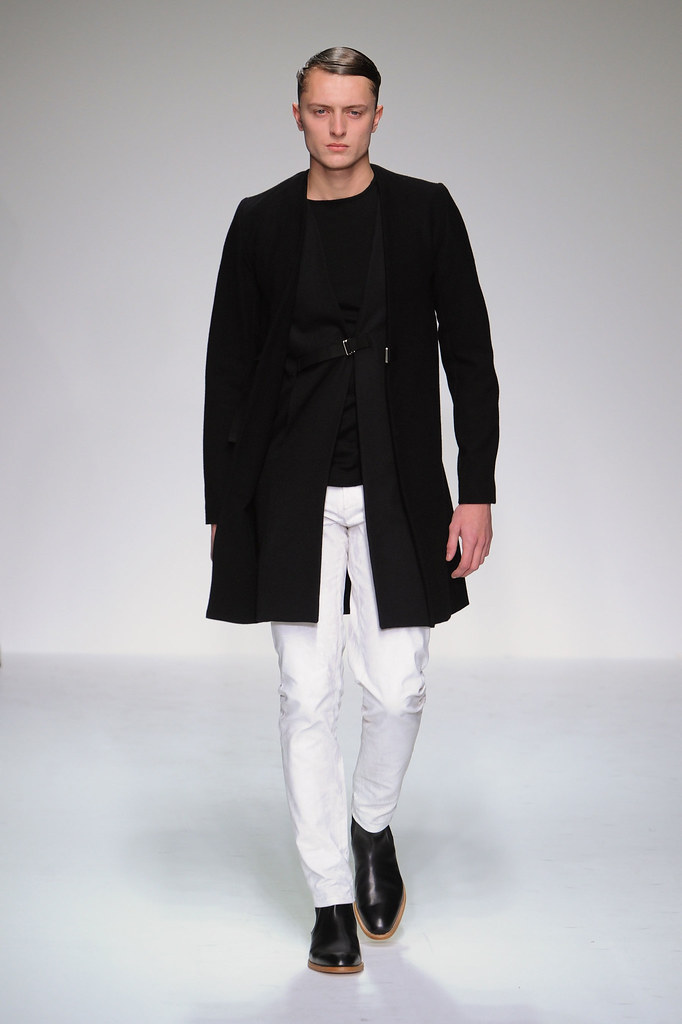 FW13 London Lee Roach018_Max Rendell(fashionising.com)
