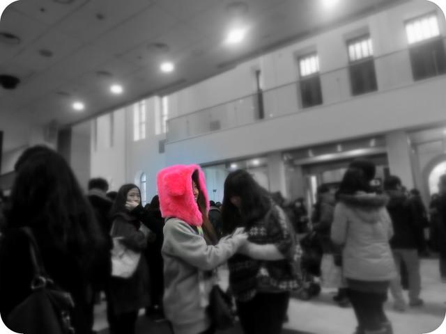 Pink-fur-hat-Seoul