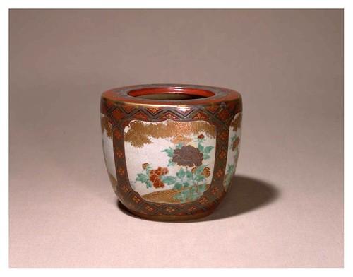 016-Recipiente esmaltado-periodo Edo-artista Hitokiyo Nonomura-Cortesía del Tokyo National Museum