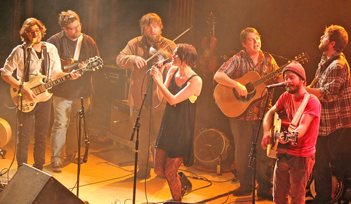 Suzanne Santo with Trampled by Turtles sing