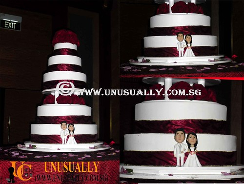 Personalized 3D Lovely Wedding Couple Figurines As Cake Topper - © www.unusually.com.sg