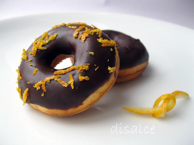 fırında , kabartma tozlu, labneli donut