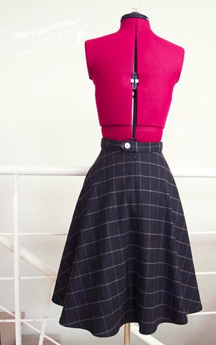 blog, szafiarka, moda, retro, vintage, fashion, szycie, krawiectwo, half circle skirt, spódnica z połówki koła, wełna, krata, Piegatex, wykrój