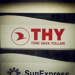 Primera vez que veo un letrero de Turkish Airlines en turco