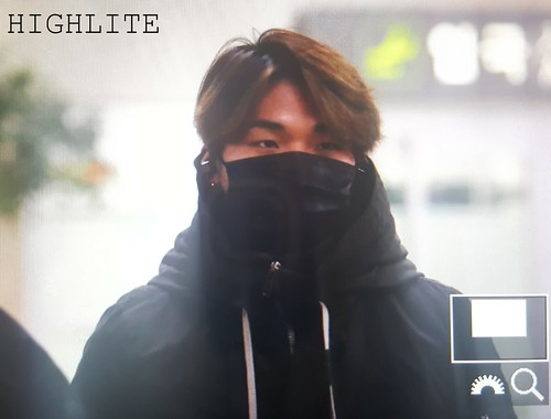 BIGBANG (wout Seungri) arrival Seoul Gimpo from Beijing 2016-01-02 (34)