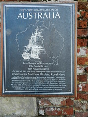 Photo of Matthew Flinders bronze plaque